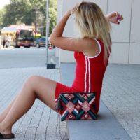 Czerwona, sportowa sukienka